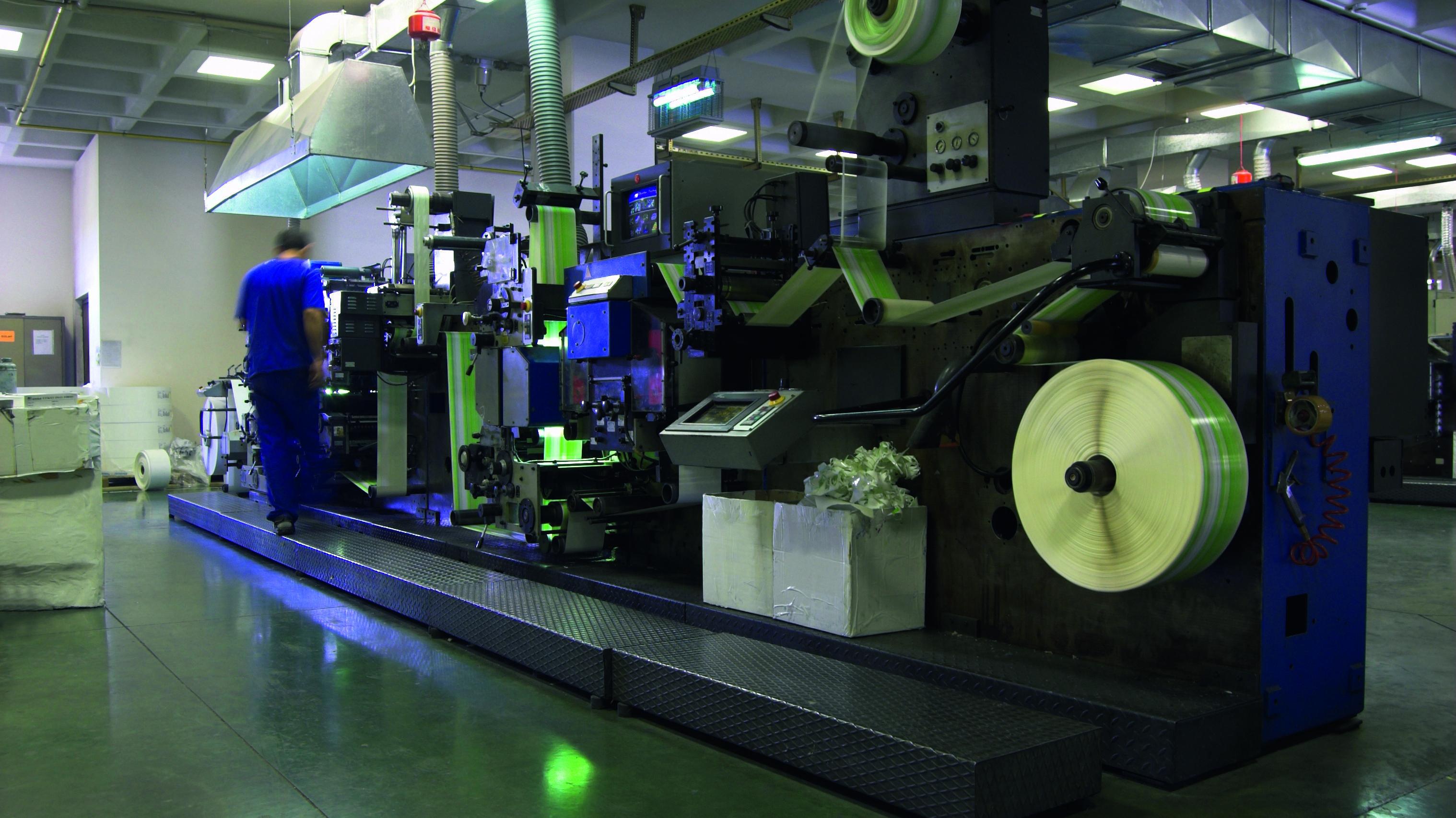Maskin för förpackning och emballering