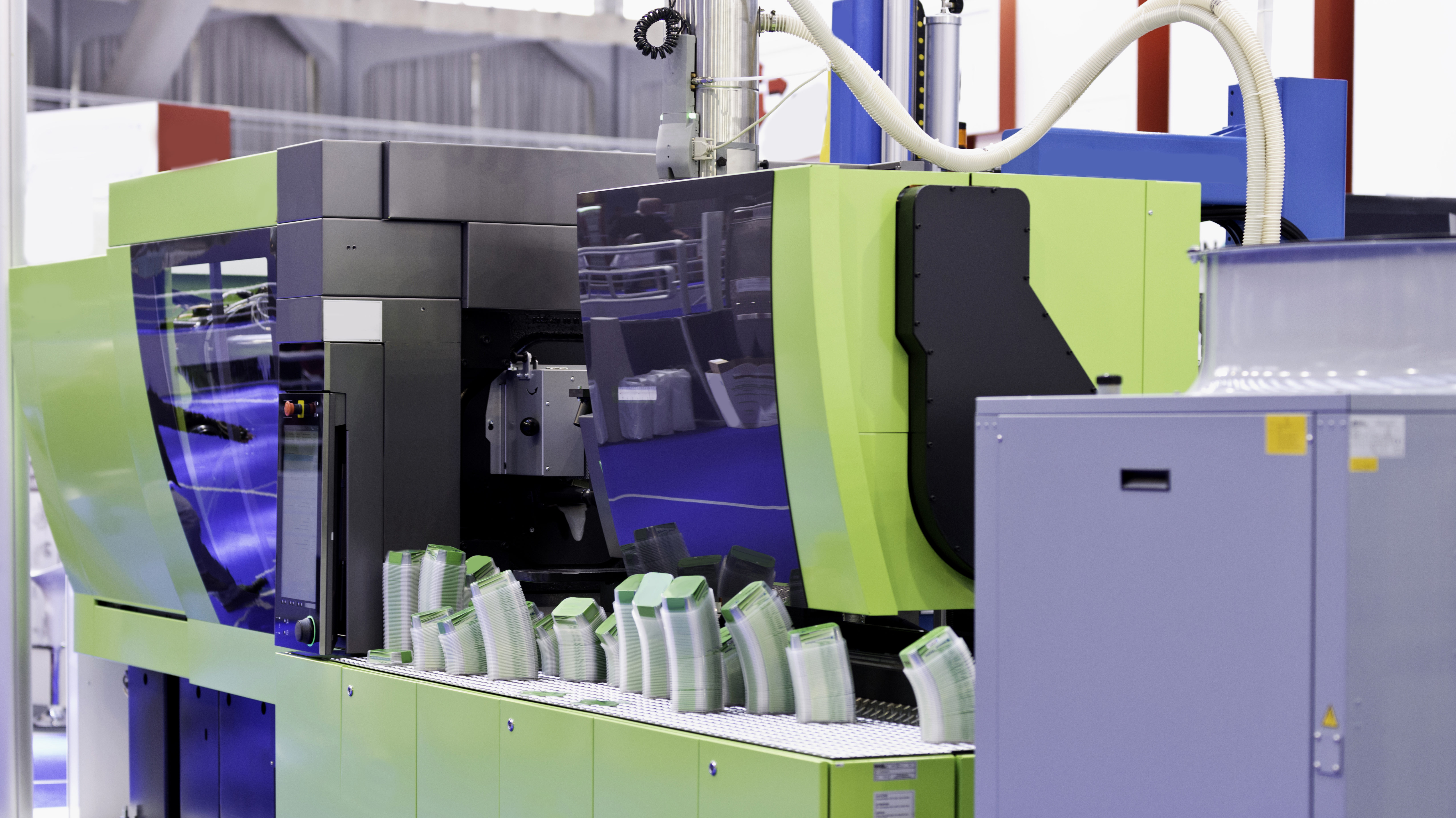 Maskin för plast och formsprutning